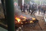 Motor milik wartawan dibakar saat ricuh demonstrasi di DPR