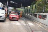 Usai rusak akibat aksi massa, gerbang tol Pejompongan dibuka
