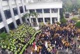 Demo mahasiswa besar-besaran di seluruh Indonesia berhasil buat sejarah