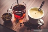 Hindari minum teh terlalu panas karena bisa tingkatkan risiko kanker kerongkongan