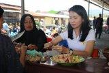 Bhayangkari Papua siapkan makanan untuk pengungsi di Wamena