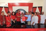Mantan Wali Kota HM Riban Satia resmi daftar Cagub Kalteng