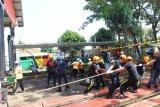 Lomba tarik kereta meriahkan HUT KAI di Semarang