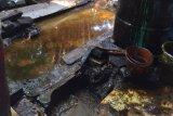 Semburan lumpur di Kutisari  bercampur air dan minyak