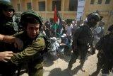 Tentara Israel serang pegiat yang tuntut pembebasan Samir Arbid