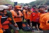 Remaja terseret arus Bengawan Solo ditemukan tewas