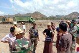 Puluhan warga menghalangi pembangunan Sirkuit Mandalika