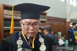 Rektor  jenguk dosen IPB yang ditangkap polisi atas temuan puluhan bom molotov