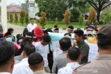 Lanjutkan aspirasi rakyat seluruh indonesia, Sejumlah mahasiswa geruduk Kantor DPRD Inhil