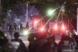 Kemarin, tiga wilayah di DKI hasilkan sampah 20 ton lebih karena Demonstrasi