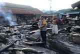 Kebakaran hanguskan puluhan kios di Pasar Tasiu Kabupaten Mamuju