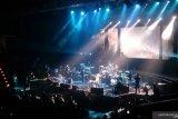 Glenn sumbangkan pendapatan konser untuk korban gempa Maluku