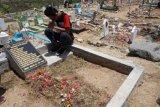 Ribuan siswa dan guru di Palu tabur bunga di lokasi likuefaksi