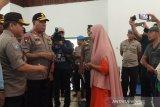 Kapolda Papua kunjungi pengungsi kerusuhan Wamena di Sentani