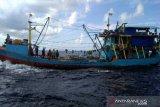 Sebuah kapal purse seine asal Banyuwangi diamankan PSDKP Kupang