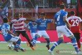 Madura United menjamu Persib Bandung di Stadion Bangkalan