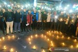Mahasiswa Sumsel baca Surat Yasin dan nyalakan lilin SOS untuk korban demonstrasi