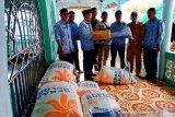 Pesisir Selatan salurkan bantuan ke korban abrasi