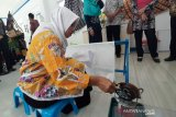 SMPLB Krida Mulya Gunung Kidul menggelar peragaan busana batik