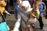 Pengungsi asal Wamena menitikkan air mata begitu tiba di Malang