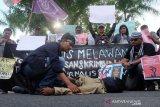Jurnalis Tirto.id melaporkan oknum polisi ke Propam Polri