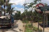 Sering dilewati truk pasir, jalur evakuasi Gunung Merapi rusak parah