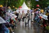 Berbatik dan keliling Lapangan Merah Moskow, KBRI peringati Hari Batik Nasional