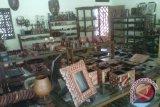 Genjot daya jual di pasaran, perajin batik kayu Krebet perbarui motif