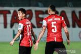 Gol bunuh diri bantu Madura United taklukkan Persib 2-1