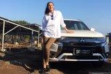 Nadine Chandrawinata: Traveling cara terbaik mengenal orang