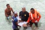 Tim SAR mengevakuasi jasad warga di perairan Biak