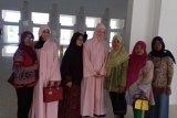 Masjid Sultan Batam sediakan jubah untuk turis nonmuslim