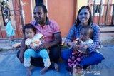Kisah cinta Kantius Wenda putra Papua yang mempersunting gadis Sunda, dari kopi turun ke hati di Wamena