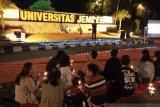 BEM Unej nyalakan lilin untuk korban demonstrasi dan kerusuhan di Wamena