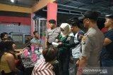 Polisi tahan belasan perempuan 'pekerja malam' tak bawa identitas diri