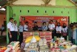 Peringati HDKD, Kemenkumham Sultra memberi bantuan sembako ke Pesantren