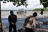 Speedboat Menara Gading kandas