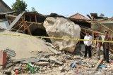 Polisi periksa tiga saksi peristiwa batu besar timpa rumah warga Purwakarta