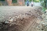 Dana peningkatan kualitas jalan di Mataram menurun