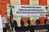 Padang kumpulkan pengelola rumah makan sosialisasikan keamanan pangan