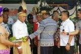 Menhan Ryamizard Ryacudu dinobatkan jadi anak adat Tabi Jayapura, Papua