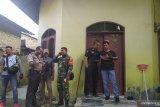 Polisi periksa rumah keluarga penyerang Wiranto di Medan