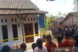 Anak panah, busur, dan buku disita dari rumah penusuk Wiranto di Brebes