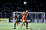 Pelatih Persebaya anggap timnya kurung beruntung usai ditahan imbang Borneo FC