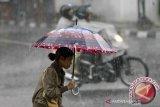 Hujan lebat diprakirakan guyur sebagian Sumatera, Kalimantan, dan Papua
