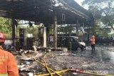 Gara-gara radiasi ponsel, SPBU Setu di Cipayung Jaktim terbakar