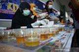 Cegah narkoba, 105 pegawai Lapas Kelas IIA Kendari jalani tes urine