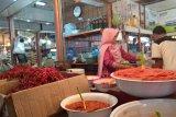 Pasokan kurang, harga cabai rawit naik di pasar raya Padang