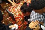 Ibunda Akbar Alamsyah histeris usai anaknya dimakamkan