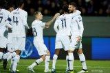 Prancis kalahkan Irlandia berkat tendangan penalti Giroud